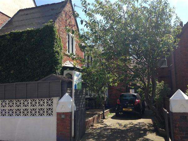 3 Bedrooms End Of Terrace House for sale in The Old School House, 83 Castle Road, Scarborough