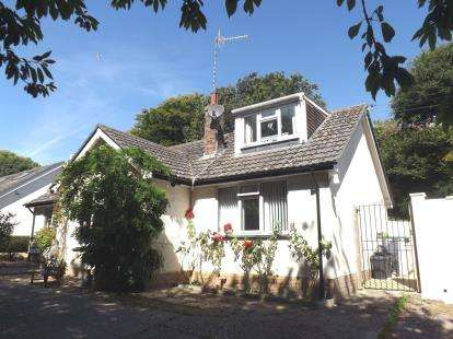 4 Bedrooms Bungalow for sale in Beer, Seaton, Devon