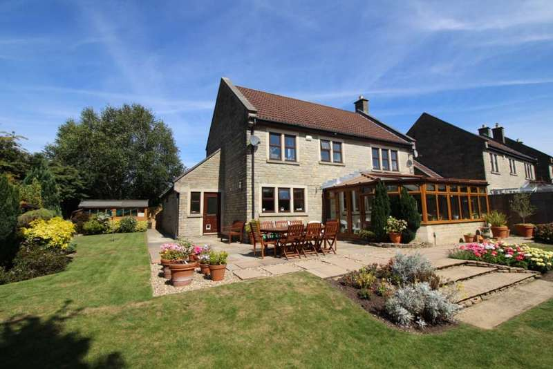 4 Bedrooms Detached House for sale in St Lukes Road, Beckington