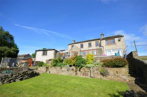 5 Bedrooms Detached House for sale in Cartwrights, Little Cake, Hade Edge, HOLMFIRTH, West Yorkshire