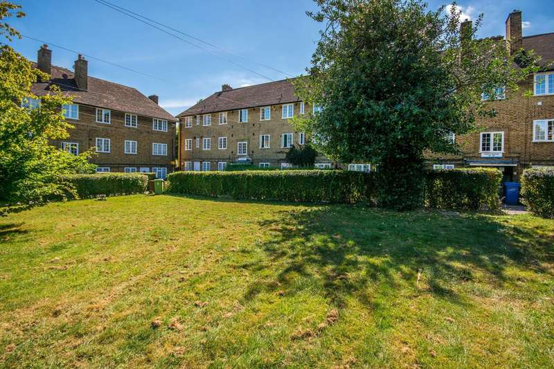 2 Bedrooms Flat for sale in Casino Avenue, Herne Hill, SE24