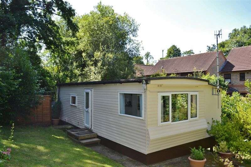 1 Bedroom Property for sale in Lewes Road, Forest Row