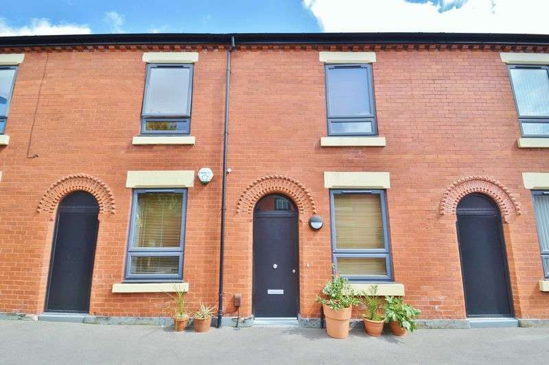 3 Bedrooms Terraced House for sale in Alder Street, Salford