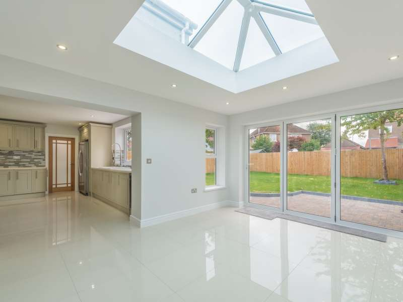 4 Bedrooms Detached House for sale in King George V Drive West , Cardiff. CF14 4EE