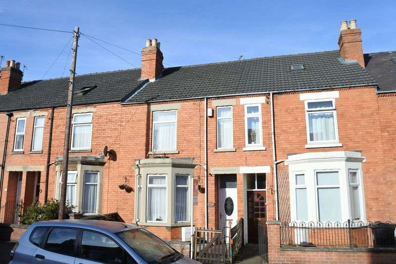 3 Bedrooms Terraced House for sale in Huntingtower Road, Grantham