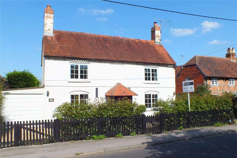 4 Bedrooms Detached House for sale in The Street, Crookham Village, Fleet, Hampshire, GU51