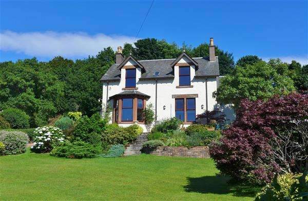 5 Bedrooms Detached House for sale in Craig Dhu, Lamlash, Lamlash