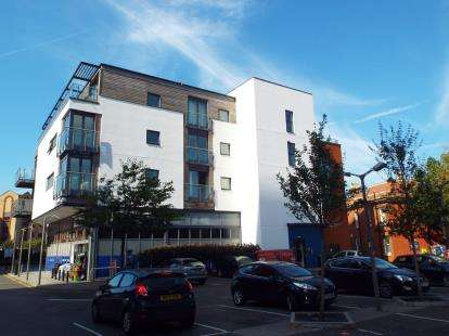 1 Bedroom Flat for sale in Ocean Way, Ocean Village, Southampton