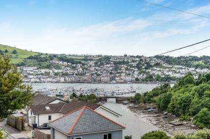 2 Bedrooms Flat for sale in Lower Contour Road, Kingswear, Dartmouth