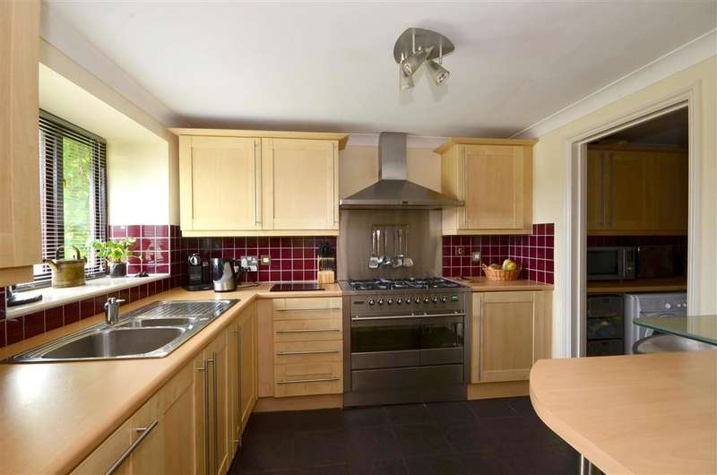 3 Bedrooms Barn Conversion Character Property for sale in Newington, Folkestone, Kent