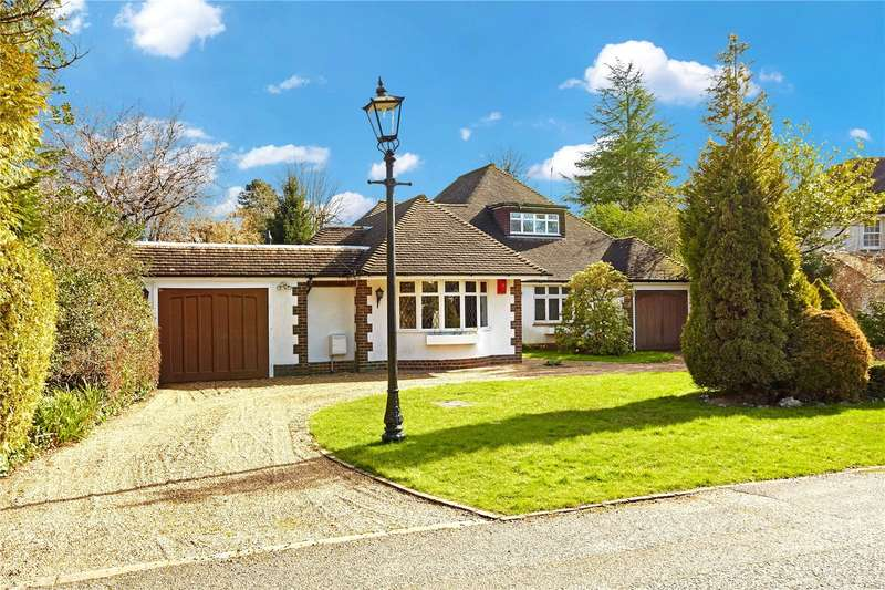 3 Bedrooms Detached House for sale in Westhall Park, Warlingham, Surrey, CR6