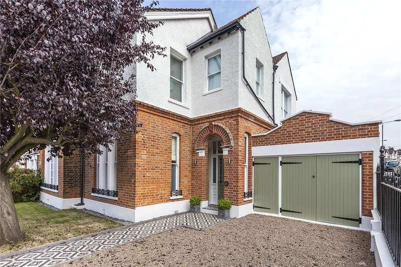 5 Bedrooms Semi Detached House for sale in Hawthorns, Woodland Terrace, London, SE7