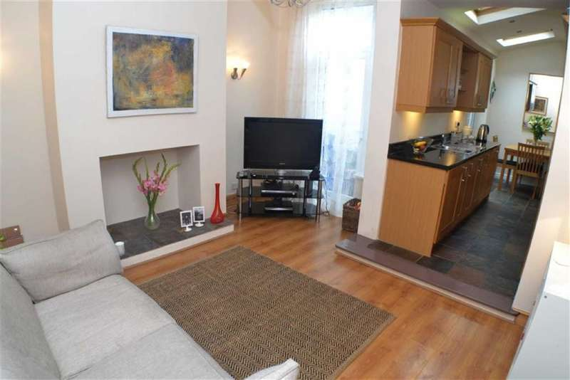 2 Bedrooms Property for sale in Carlton Road, Ashton-under-lyne, Lancashire, OL6