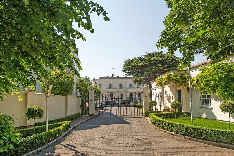 4 Bedrooms Terraced House for sale in Beaufort Close, Putney Heath, London, SW15