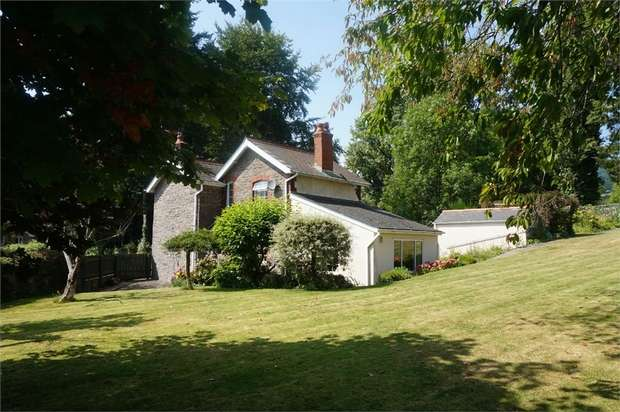 3 Bedrooms Cottage House for sale in Pentre Road, ABERGAVENNY, Monmouthshire