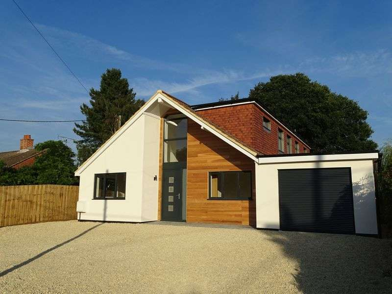 4 Bedrooms Detached House for sale in Rectory Road, Alderbury