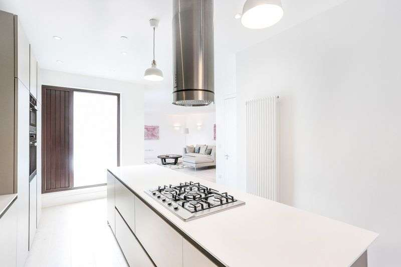 3 Bedrooms House for sale in County Street, London