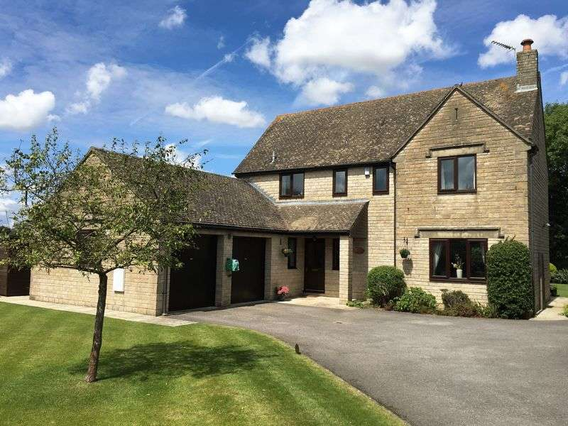 4 Bedrooms Detached House for sale in Kings Meadow - Crudwell - Malmesbury - SN16