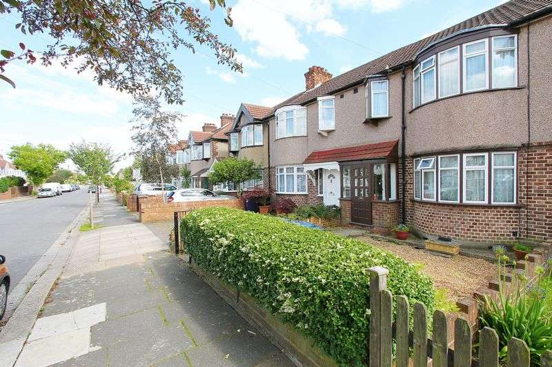 3 Bedrooms Terraced House for sale in Crossmead Avenue, Greenford