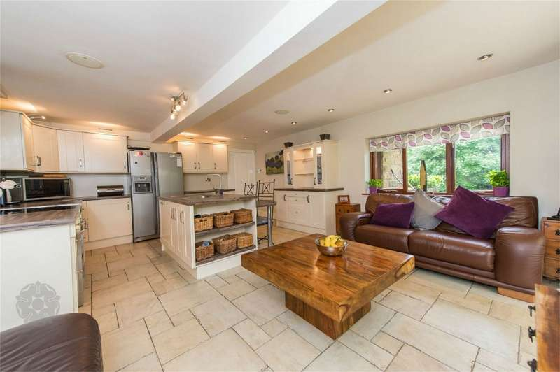 5 Bedrooms Detached House for sale in Arthur Lane, Ainsworth, Bolton, Lancashire