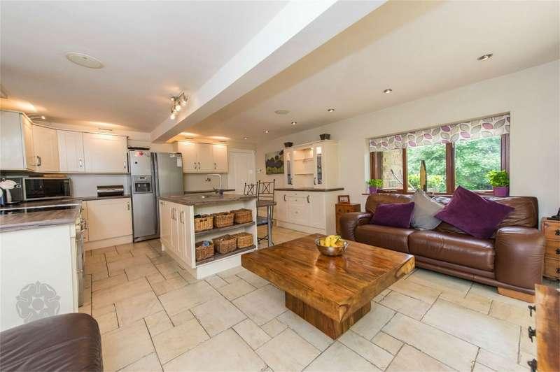5 Bedrooms Detached House for sale in Arthur Lane, Ainsworth, Bolton, Lancashire