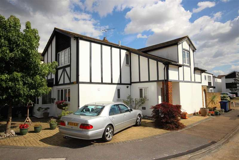4 Bedrooms Detached House for sale in Regent Close