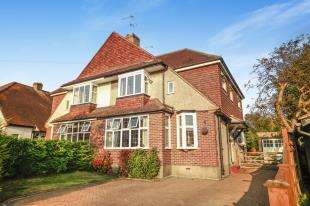 4 Bedrooms Semi Detached House for sale in Mitchley Grove, Sanderstead, South Croydon, .