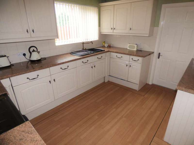 3 Bedrooms Semi Detached House for sale in Staintondale, Dormanstown
