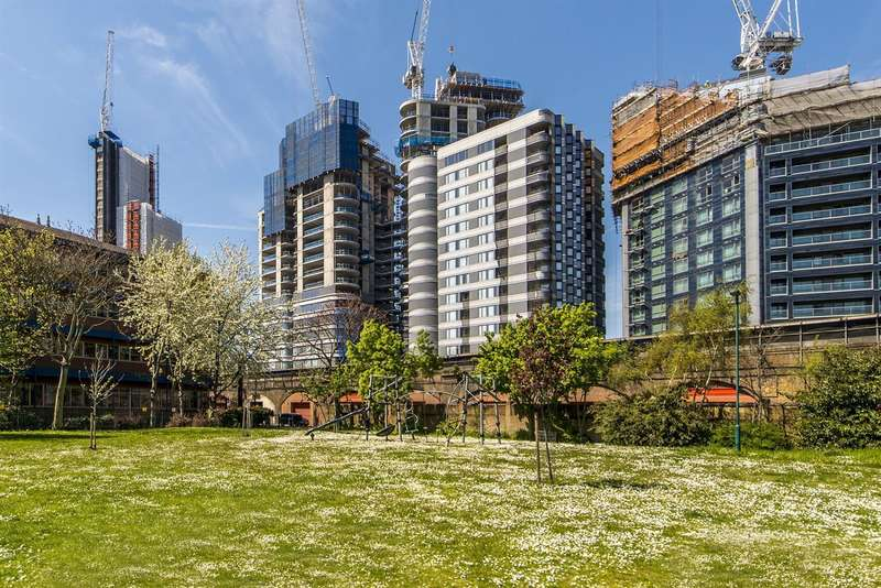 2 Bedrooms Flat for sale in Tower One, The Corniche, 20 Albert Embankment, London SE1