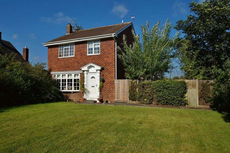 4 Bedrooms Detached House for sale in Harrogate Way, Southport
