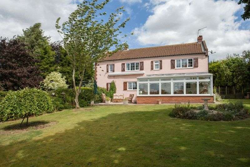 4 Bedrooms Detached House for sale in Saxthorpe, Norfolk
