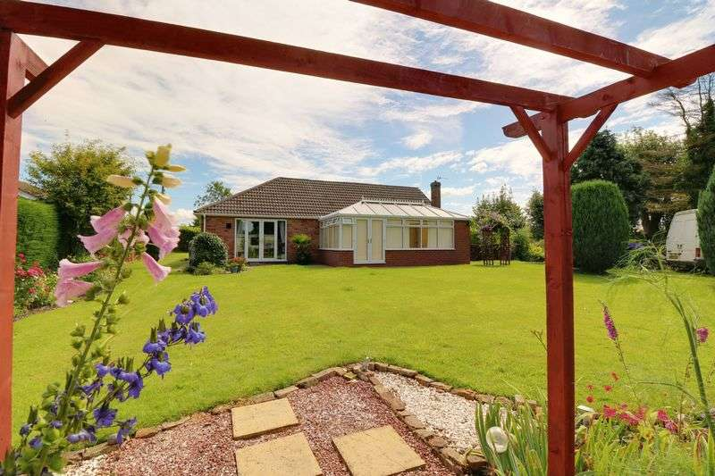 3 Bedrooms Detached Bungalow for sale in Townside, East Halton