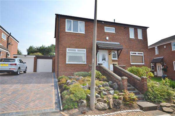 4 Bedrooms Detached House for sale in Higher Meadow, Clayton Le Woods, Chorley