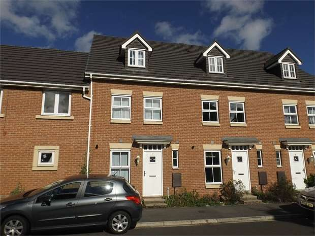 3 Bedrooms Town House for sale in Maddren Way, Middlesbrough, North Yorkshire