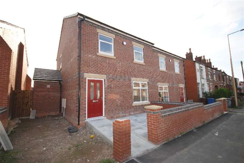 3 Bedrooms Semi Detached House for sale in Tunstall Lane, Pemberton, Wigan, WN5