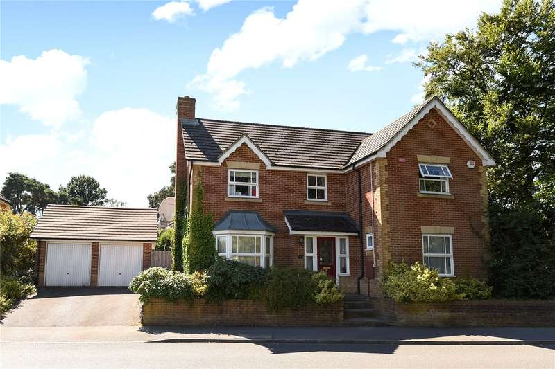 4 Bedrooms Detached House for sale in Peninsular Close, Camberley, Surrey, GU15