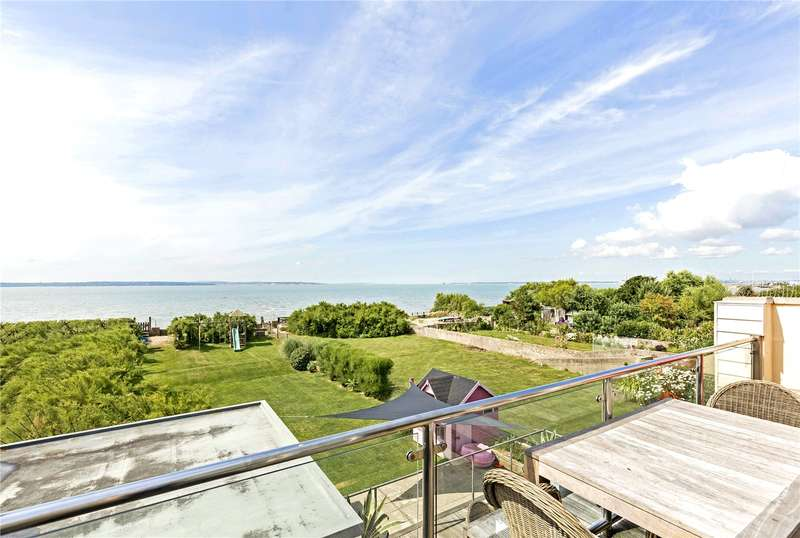 4 Bedrooms Detached House for sale in Hill Head Road, Hill Head, Hampshire, PO14