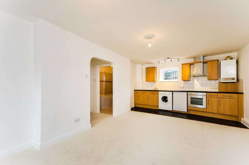1 Bedroom Flat for sale in Knowles Hill Crescent, Hither Green, SE13