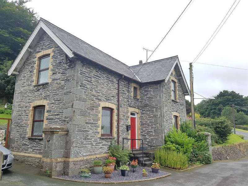 3 Bedrooms Property for sale in Ysbyty Ystwyth