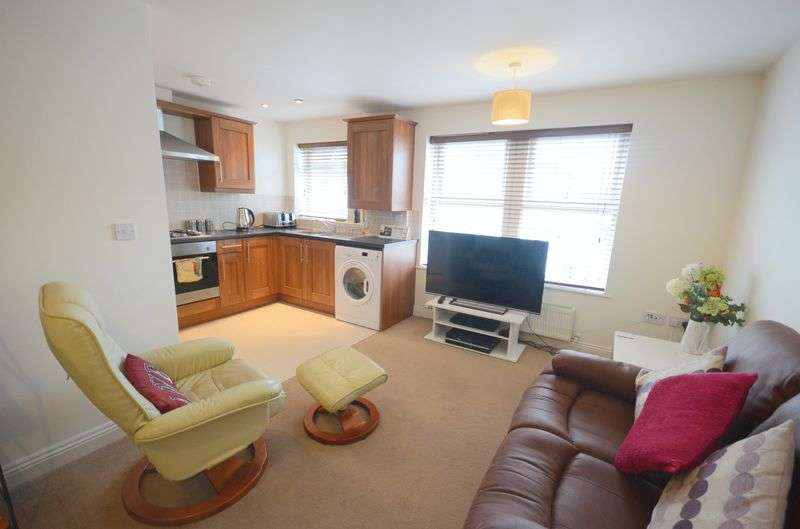 2 Bedrooms Flat for sale in Capstone Place, Bournemouth