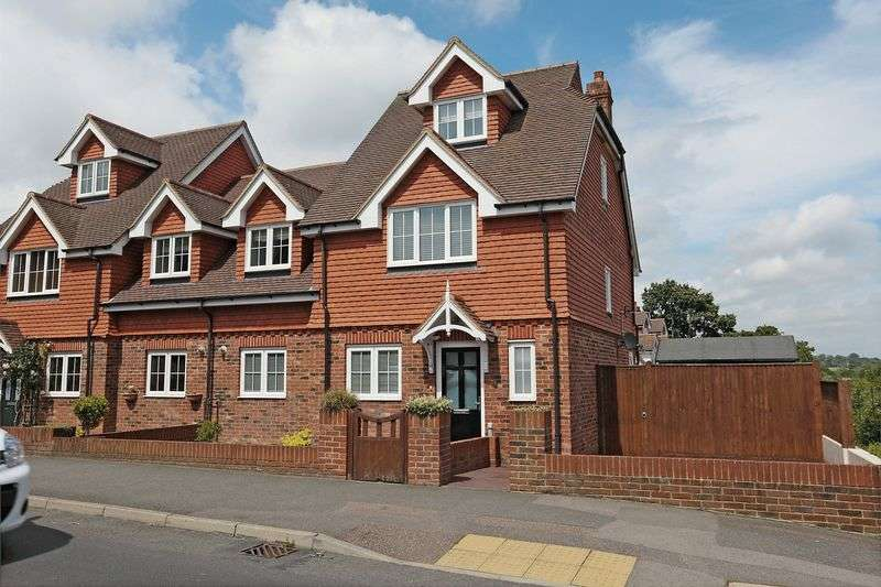 4 Bedrooms Semi Detached House for sale in Eastbourne Road, Ridgewood, East Sussex