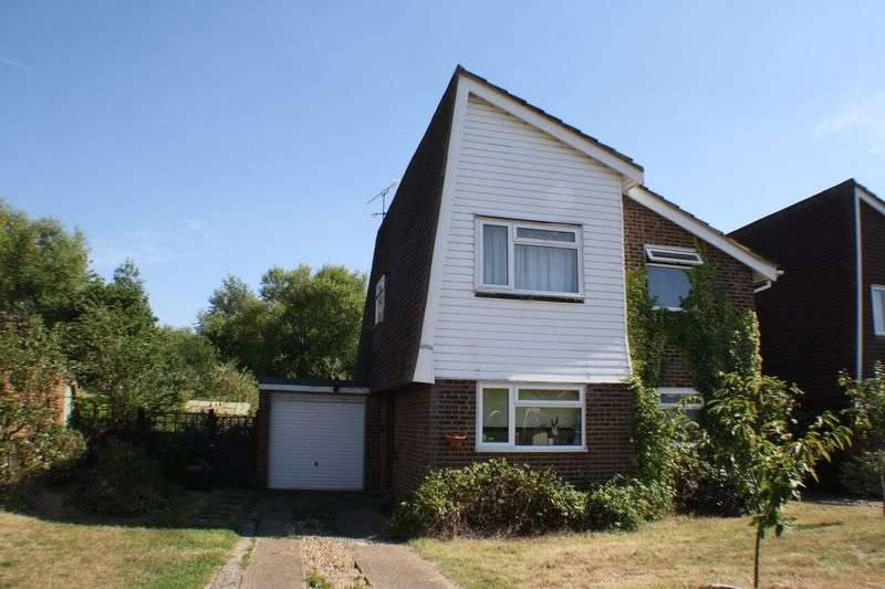 4 Bedrooms Detached House for sale in Redwood Avenue, Reading