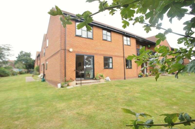 1 Bedroom Flat for sale in Springfields, Brightlingsea
