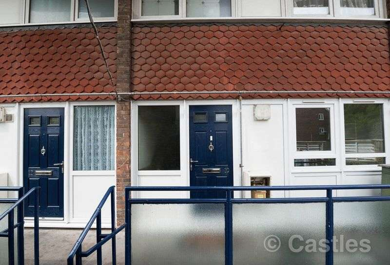 2 Bedrooms Flat for sale in Victoria Road N15