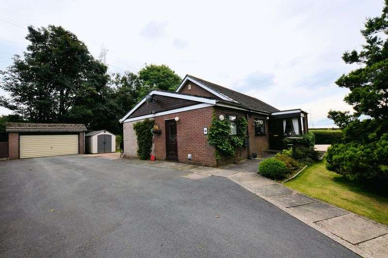 3 Bedrooms Detached Bungalow for sale in 2 Half Acre, Higher Ainsworth Road