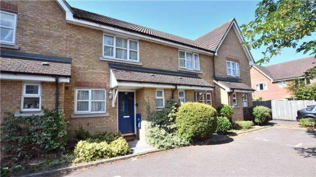2 Bedrooms Terraced House for sale in Waterloo Road, Uxbridge, Middlesex