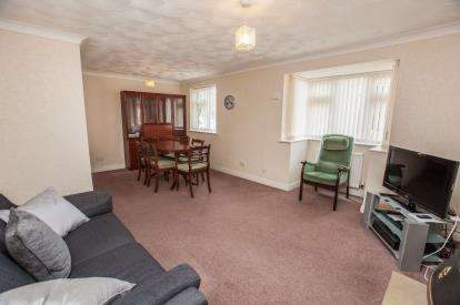 3 Bedrooms Bungalow for sale in Andrew Drive, Huntington, York, North Yorkshire