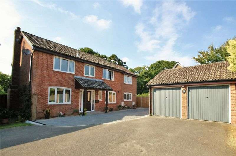 4 Bedrooms Detached House for sale in Colville Drive, Bishops Waltham