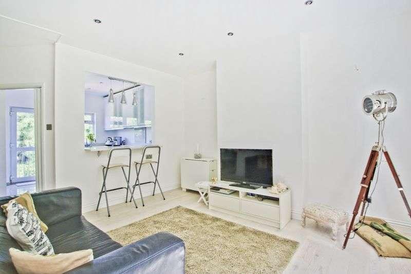 5 Bedrooms Flat for sale in Derrick Gardens, Charlton