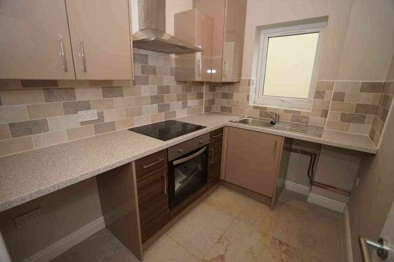 2 Bedrooms Apartment Flat for sale in Manchester Road, Blackrod